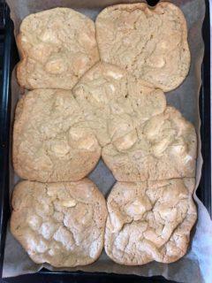 「スタバクッキーになるはずだった、ちぎりチャンククッキー」