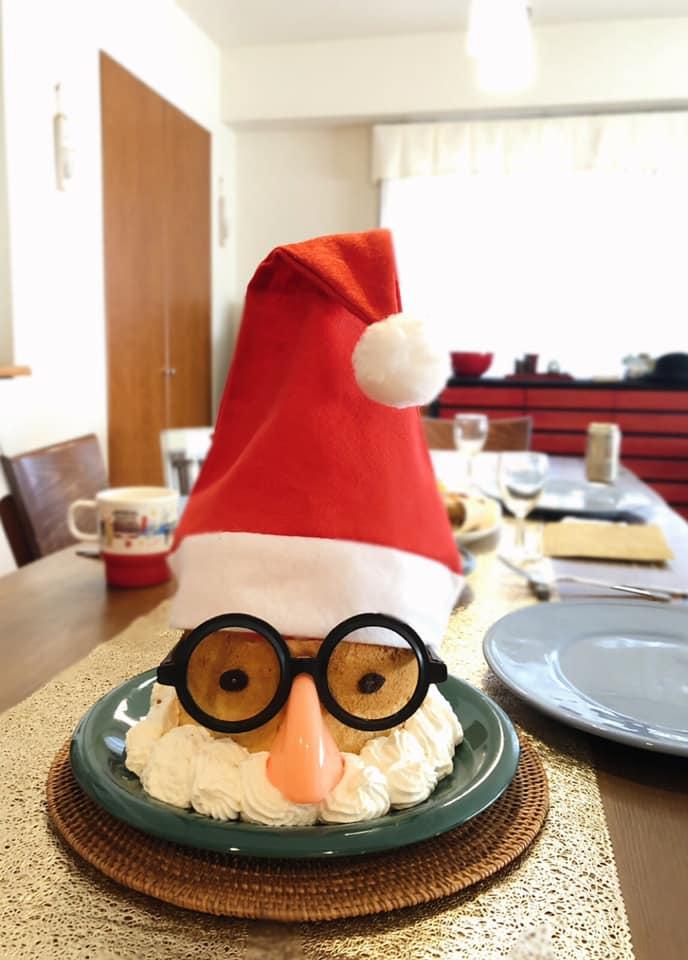「鼻眼鏡&サンタ帽かぶせただけのクリスマスケーキ・2018」